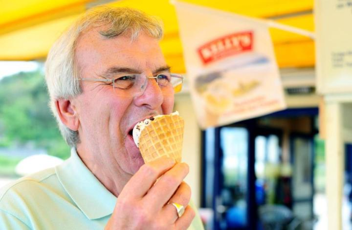 man eating an ice-cream
